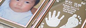 赤ちゃんの手形足形ミラーフォト