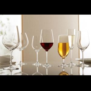 上質なワイングラスへの名入れ彫刻
